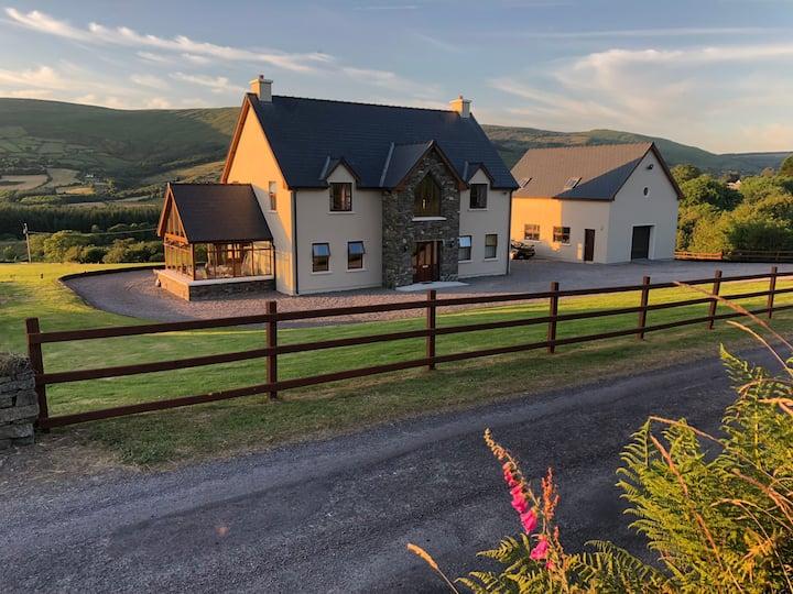 Barnagowlane House