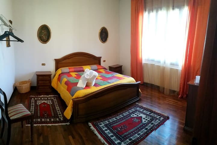 CAMINHOUSE - private room in Padova - Padova - House