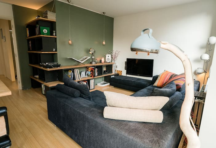 Trendy City Apartment with Balcony - Amsterdã - Apartamento
