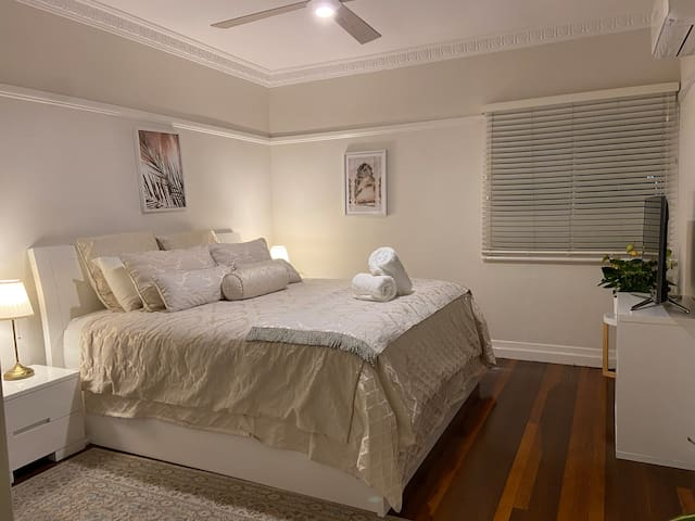 Yes, that's a master bedroom king - size does matter!