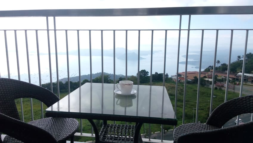 Tagaytay condo with Taal Lake view - Tagaytay City - Appartement
