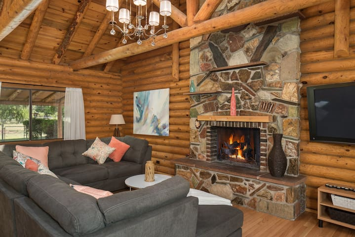 Log Cabin 20 min from Sedona - Cottonwood - Huis