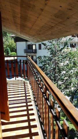 Confortevole e luminosissimo - Brescia - Apartamento