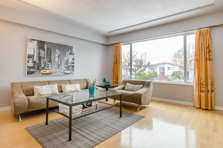 Small private 1 bedroom