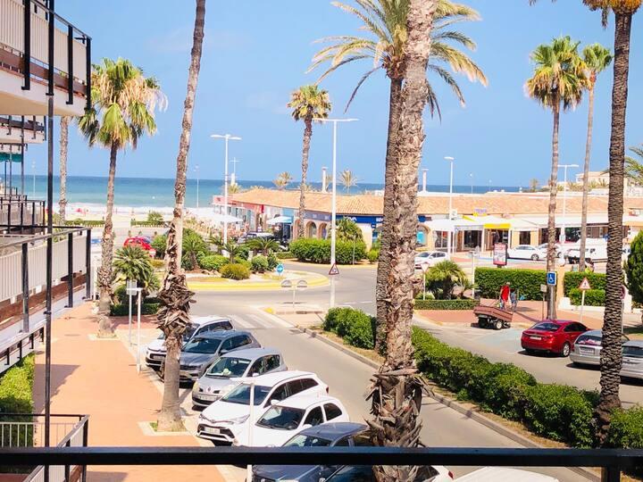 Vista de l'Arenal - met zeezicht & ruim terras