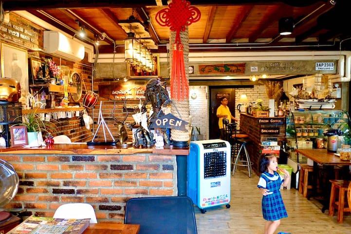 Loft Style Ayutthaya Near Landmarks