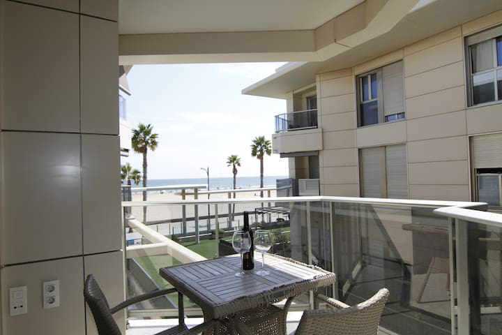 MODERN BEACHFRONT APARTMENT IN PATACONA BEACH - Alboraia - Apartment