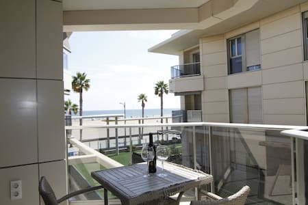 MODERN BEACHFRONT APARTMENT IN PATACONA BEACH - Alboraia - Byt