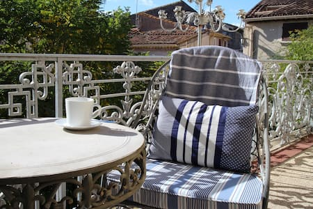 15 Grand Rue, Luxury B&B (Suite 4, 1st Floor) - Caux - Bed & Breakfast