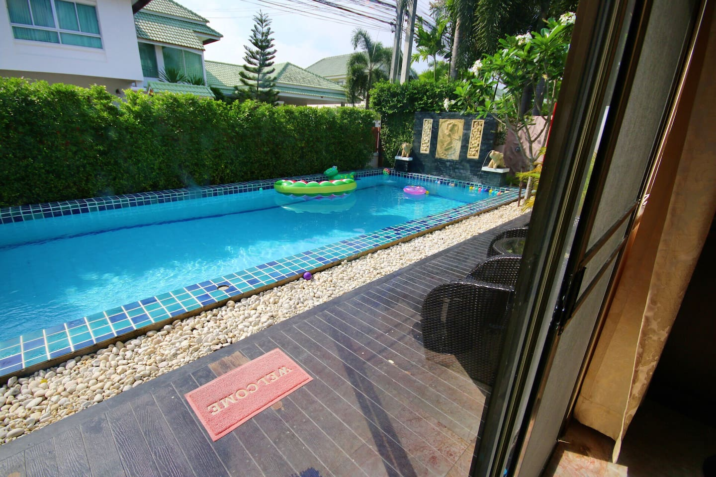 The Siam Place Pool Villa - Villas for Rent in Muang Pattaya, Chang ...