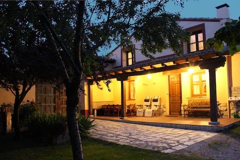 Casa Rural Las Calzadas i Dueñas. CRA-PA-34116.