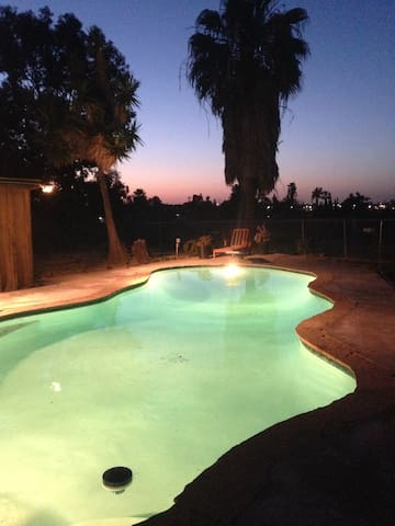 SD Cozy Pool Paradise Home-10 minutes to downtown!