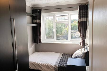Single room 20 MINS FROM CENTRAL LONDON