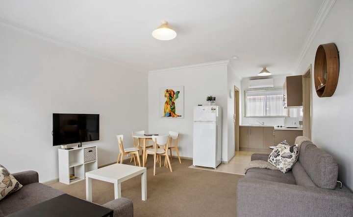 Geelong CBD Apartment short & long term stays