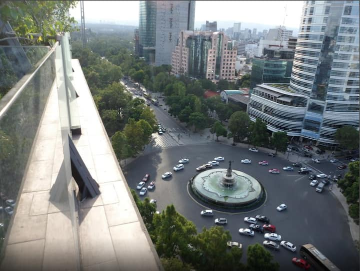 Apartment in Reforma w/pool and hotel services