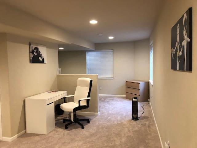 Clean & spacious studio basement w/ S&F Queen bed