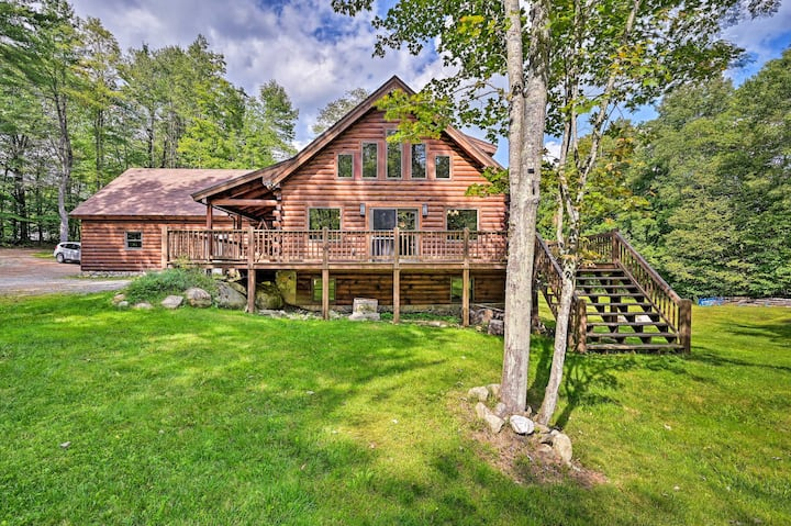 Private Chester Home w/ Deck, Mins to Skiing!