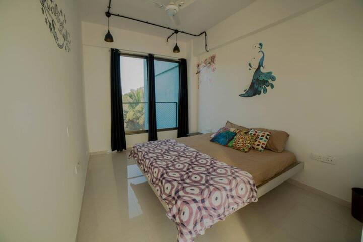 Cozy Comfy Pictureseque Rooms near to beach-Alibag