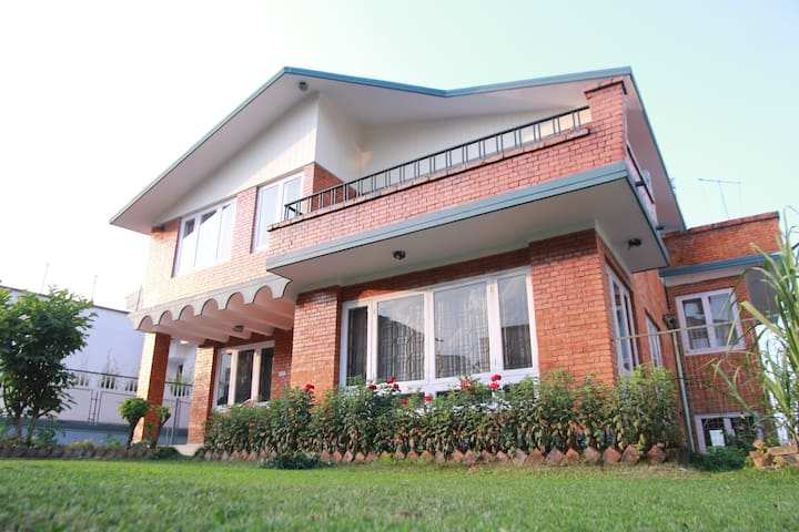 Beautiful & Peaceful Bungalow in Chakupat