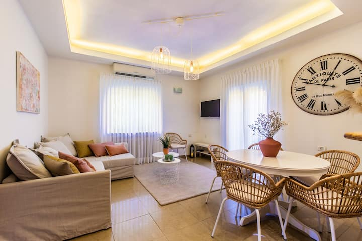 Molho 2BR for 6 guests