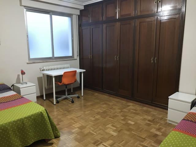 Habitación individual o doble en el centro