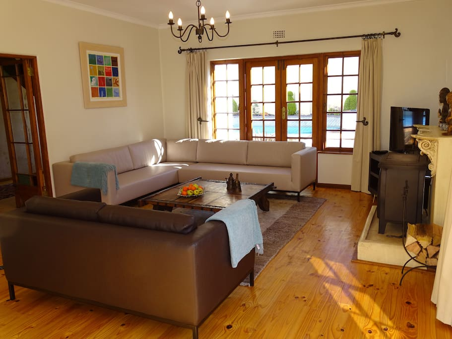 Lounge of main house area