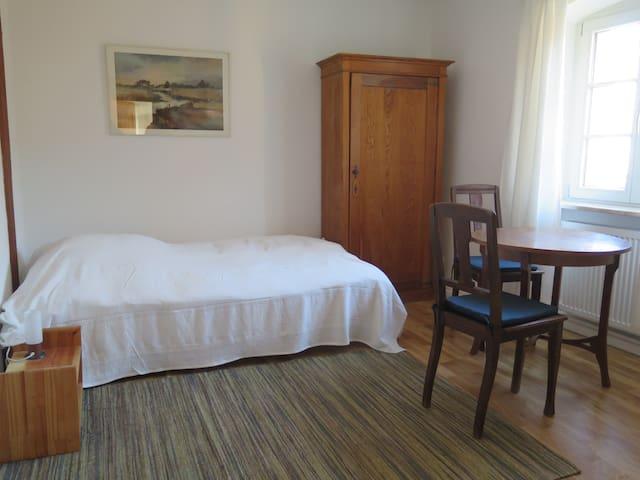 """Schloss Adelsberg - Zimmer """"Sinn"""" - Gemünden am Main - Appartamento"""