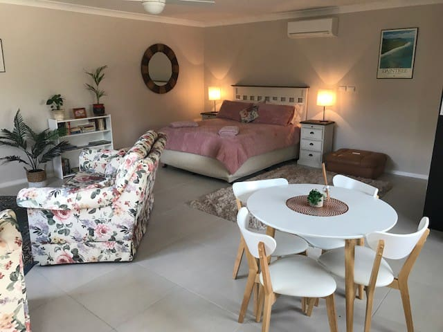 Quiet rural B&B accommodation in Historic Junee
