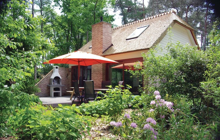 Holiday cottage with 2 bedrooms on 76 m² BLI109