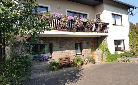 """Ferienwohnung """"Haus Antonia""""  Wandern in der Eifel"""