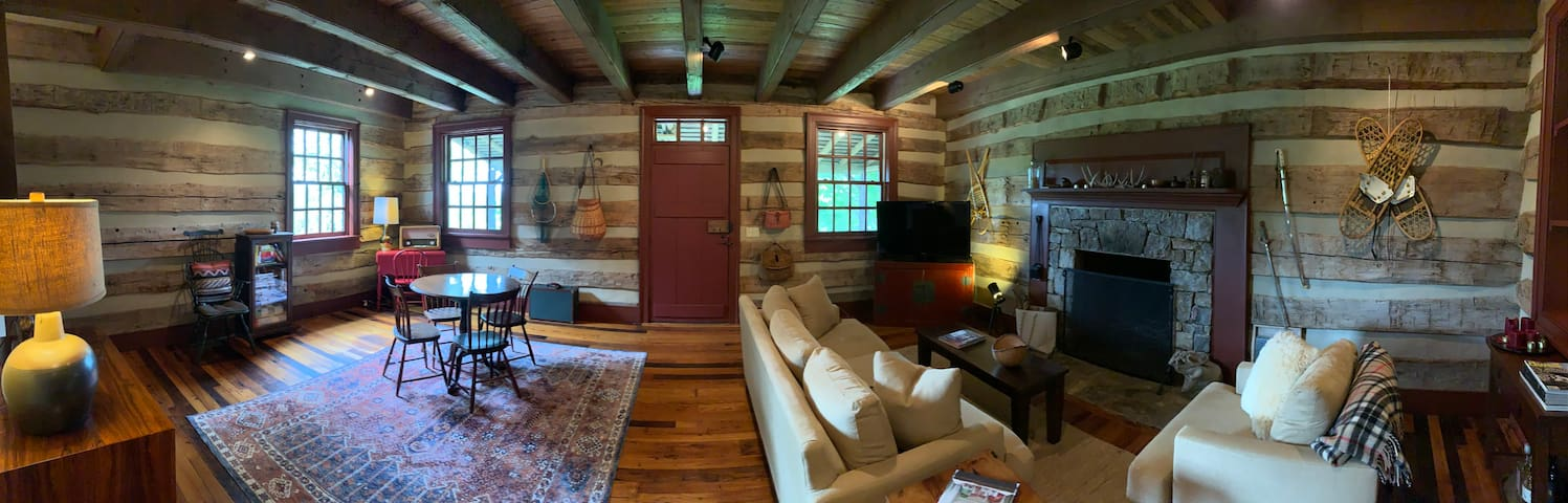 Stunning & Spacious Cabin in Virginia Countryside!