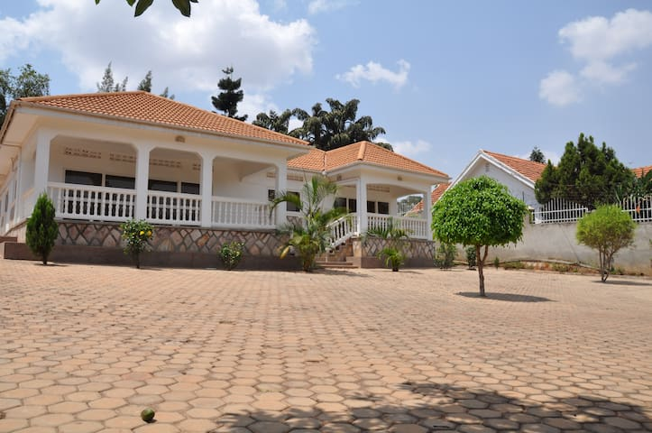 Furnished 2-bedroom Unit in Muyenga - Kampala
