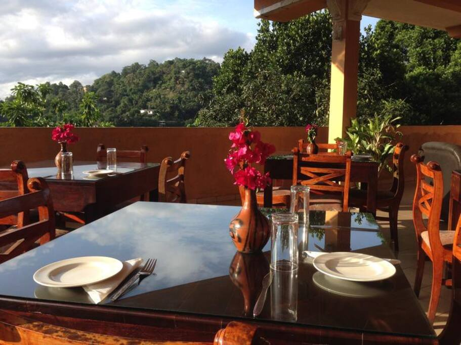 beautiful rain forest air restaurant in kandy view