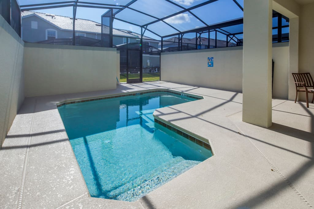 Make magical memories as a family when you stay in this wonderful Orlando town home and play in and around this sparkling clear plunge pool. The plunge pool is fitted with a removable pool safety fence.