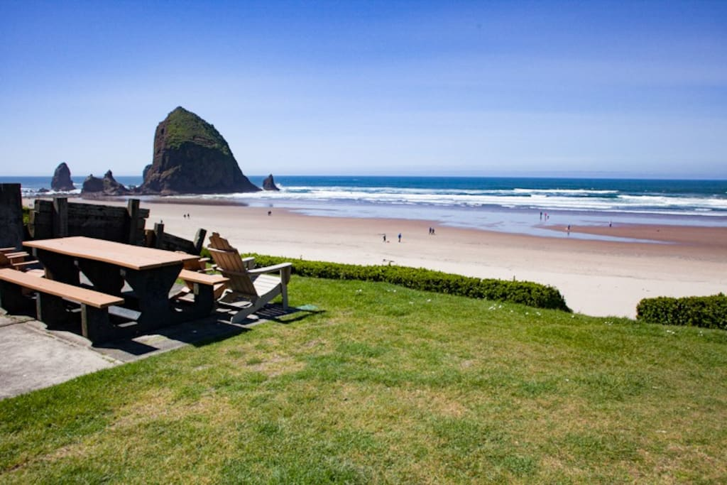 Proximity to the beach and Haystack Rock make this a very desirable location