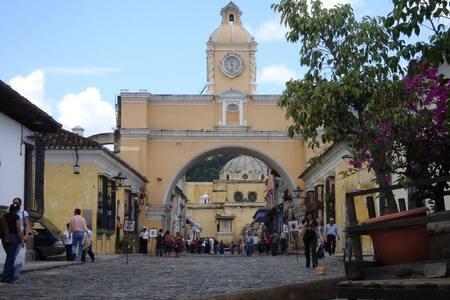 Antigua Family Homestay 3 Meals/Day - Antigua Guatemala