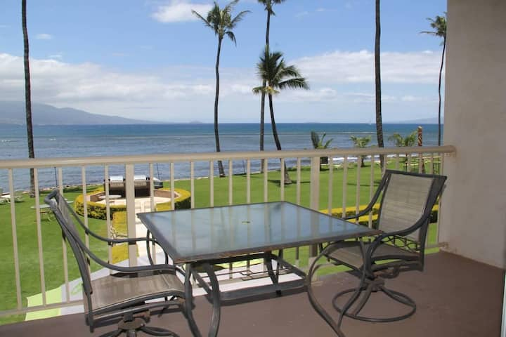 MK213 - Maui Ocean Front Vacation Rental Condo in Quiet Resort-Great View!