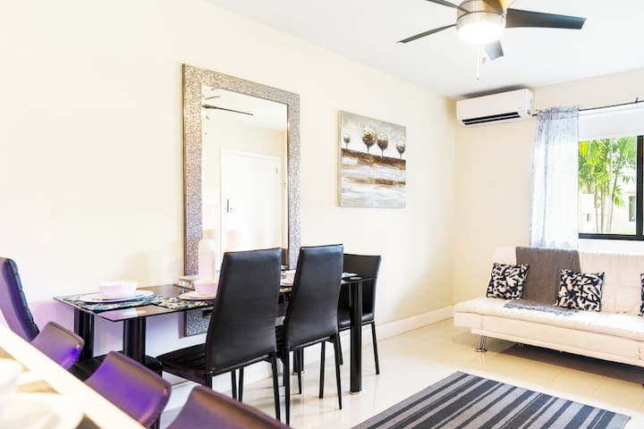 (2/1DD)Charming Apt by Cruise Port, Shops & Dining