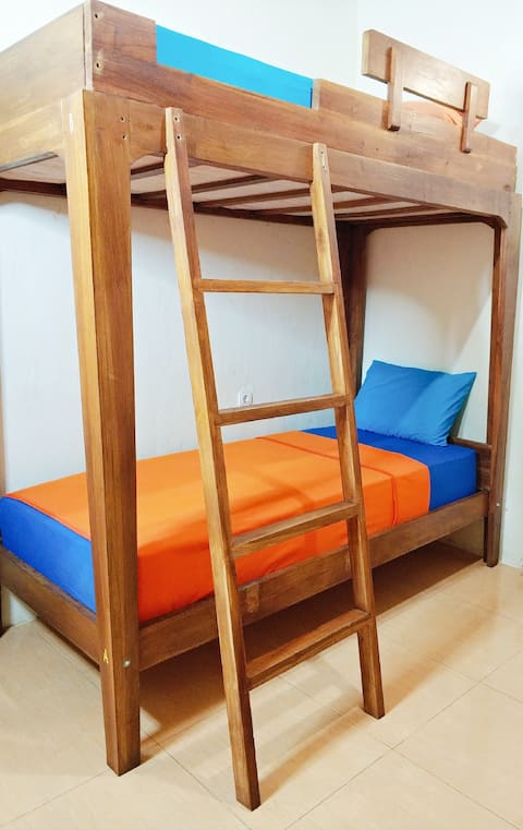 4 bed bunks Mix