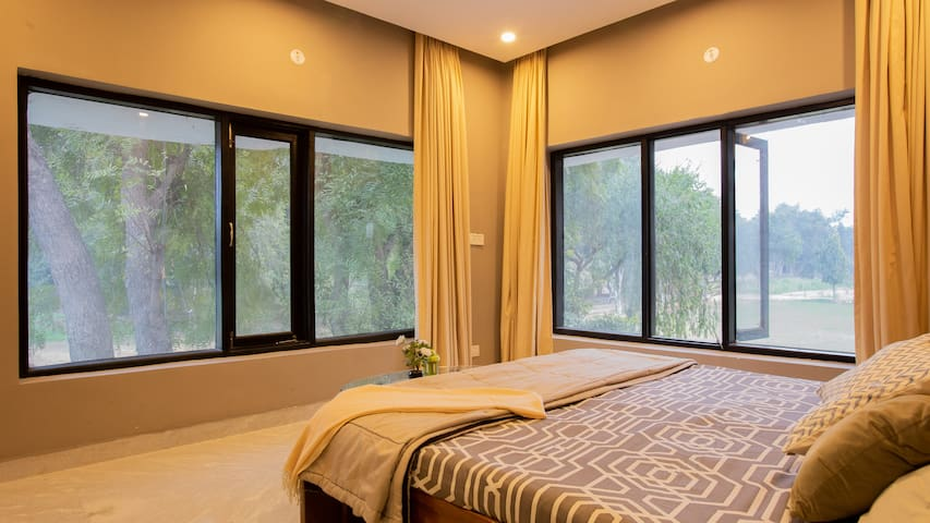 NatureFarm|Delhi|10min to Airport|10min to Gurgaon