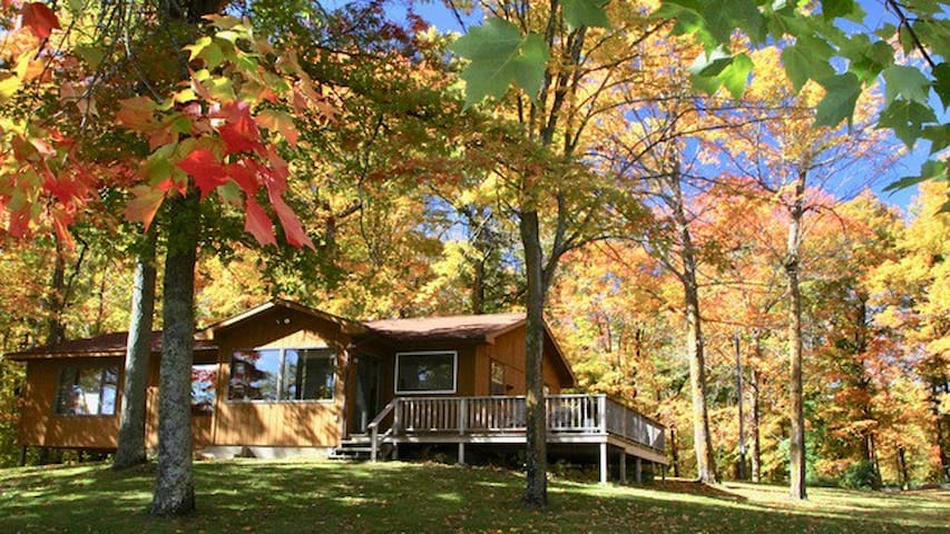 Westwood - a special lakeside cabin on Moose Lake