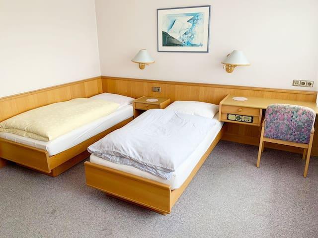 Monteurzimmer in ehemaliger Pension