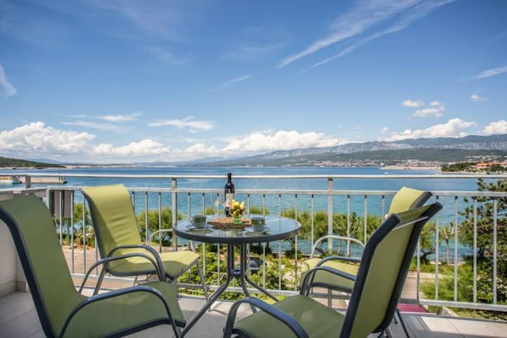 Apartment Iva with sea view
