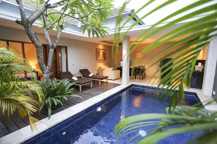 LAST MINUTE DEAL 1BR Private Pool Villa Seminyak