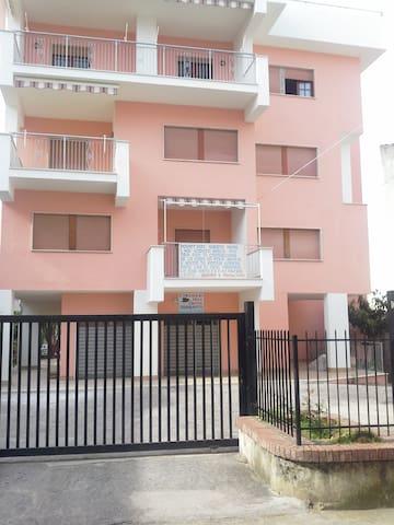 grazioso appartamento centrale a 2 passi dal mare - Diamante - Lägenhet