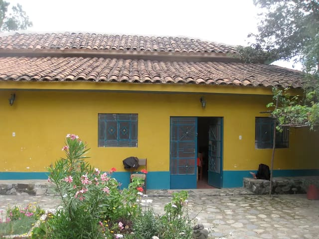 House to enjoy nature in a town close to Huaraz - Pariahuanca District - Huis