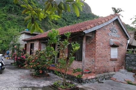 Tam Tra House