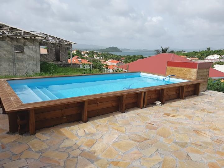 Trois îlets : Appartement avec vue mer et piscine
