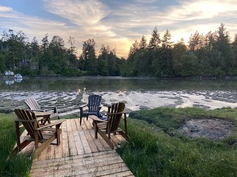 Brand new oceanside suite in quiet nature setting