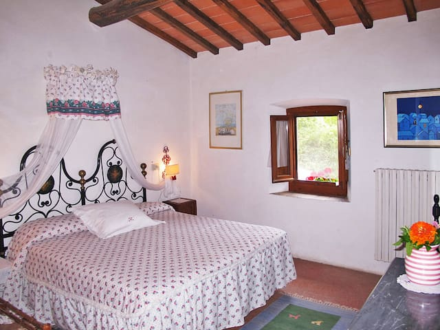 Apartment Podere Ginepro for 5 persons